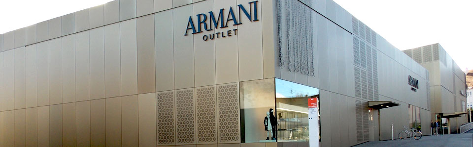 Armani outlet fabrikverkauf in metzingen for Ledersofas outlet und fabrikverkauf